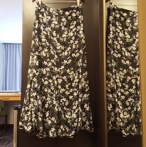 🌾Banana Republic  Maxi Floral Skirt🍀Size 8